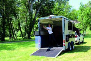 Minmax horse trailer rear ramp down view (now Maxi3)