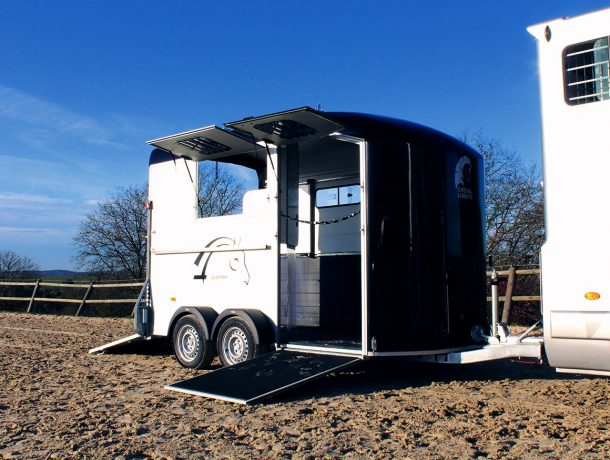 herringbone horse trailer