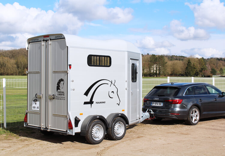 A three-step guide to buying a horse trailer