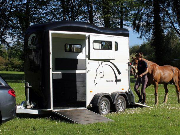 Touring-One-cheval-2