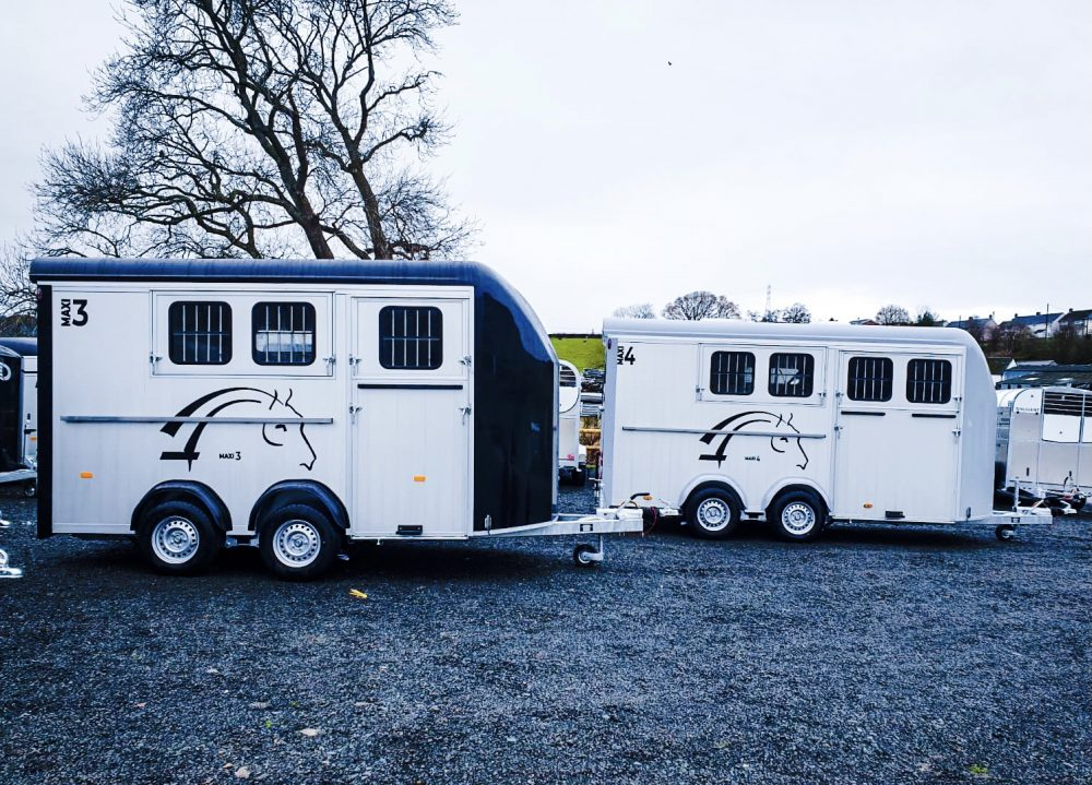 Horse Trailer vs Horsebox : Which to choose?